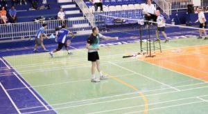 saque-de-badminton